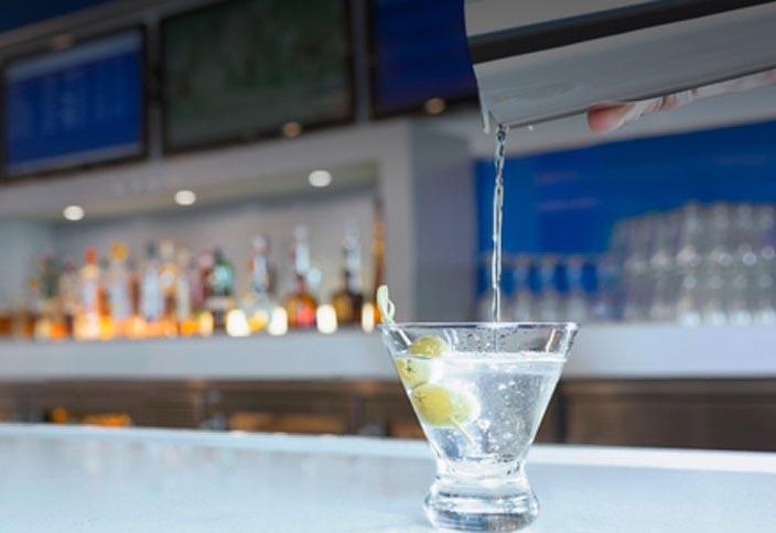 Delta Sky Club Bar
